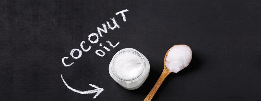 Use o óleo de coco para alimentação e no cabelo e na pele.