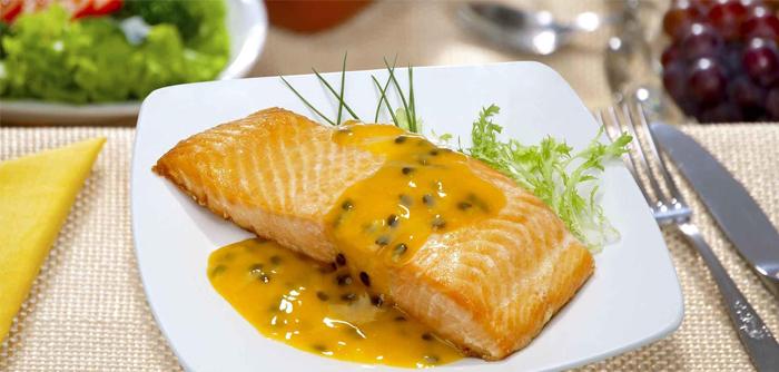 Receita de peixe com molho de maracujá